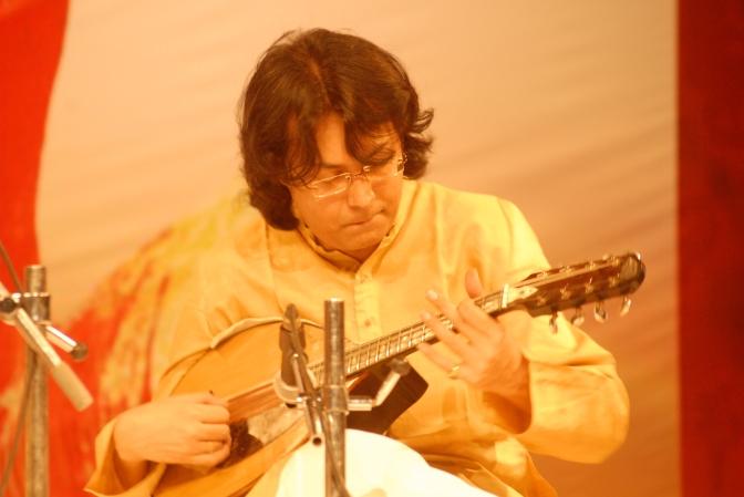 Concierto de los maestros Sugato Bhaduri y Vikas Tripathi