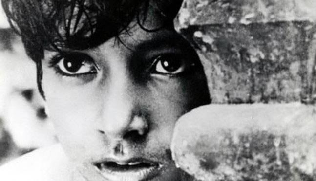 En el parpadeo de un ojo (Amitava Nag, Shiladitya Sarkar) Crítica de cine.